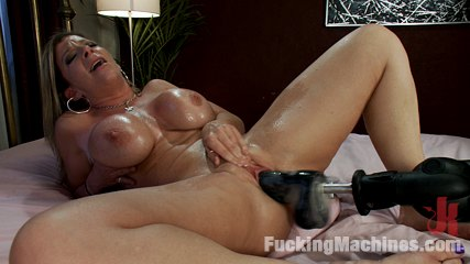 An ass that you want to bury your face in br a pussy that swallows penish. Rare & absolutely worthy MILF machine fuck -Sara Jay-Size ENORMOUS tits, HUGE jiggly arse - machine fuck deep by THICK penish that makes her squirt!