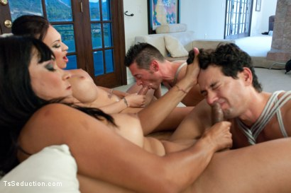 The-Maltease-Gems-Ts-Mia-Isabella-and-Vaniity-in-a-Heist-Feature-film-from-TsSeduction-com
