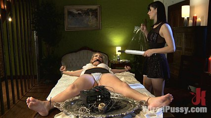 Intimate Dinner for Two Turns into a Stimulating Night of Revenge for Hot MILF Roxanne Hall!