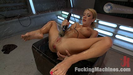 Anal paloozaaaawesome there is no half way. Hot sexy chemistry, violent core anus stretching & machine fucking, bonus fisting footage, double anus, DP, screaming orgasms & squirting