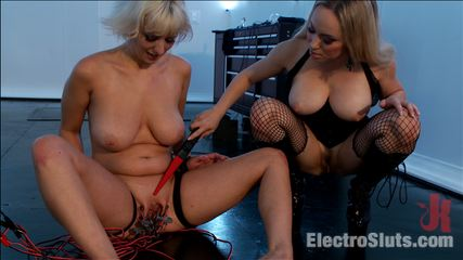 Aiden starr tests cherry torn s true fear of electricity. Cherry Torn craves electrical stimulation and Aiden Starr makes sure there's an overabundance this post, taken from a live webcast!