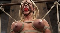 Muscular-MILF-Simone-Sonay-Pounded-with-Pleasure