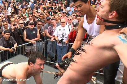 Naked Sebastian Keys is  free meat for thousands of people in public