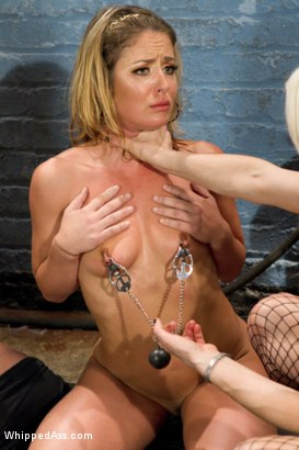 Sadistic lesbian band leader Lorelei Lee tries out new recruits using unconventional lesbian BDSM putting them through the ringer to make the cut.