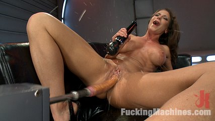 Cock Bending Pussy of Steel to Go w/Her Guns and Abs: Welcome Ariel X!