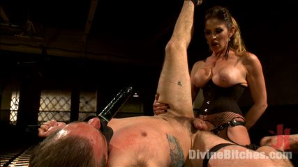 Strong mistress is using vacuum toys and bizarre sex drill to punish the submissive office guy