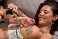 Bonnie Rotten and Gia Dimarco fuck each others pussy and asses with their feet and squirt uncontrollably all over each other!!!