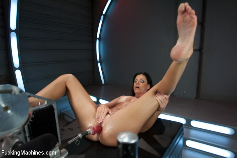 Hubba Hubba The MILF of Summa: India Summer