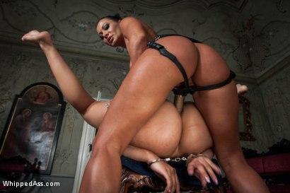 Sandra-Romain-Returns-in-Domestic-Servitude
