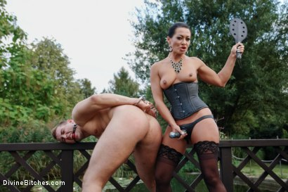 Garden-of-Submission-Sandra-Romain-Returns