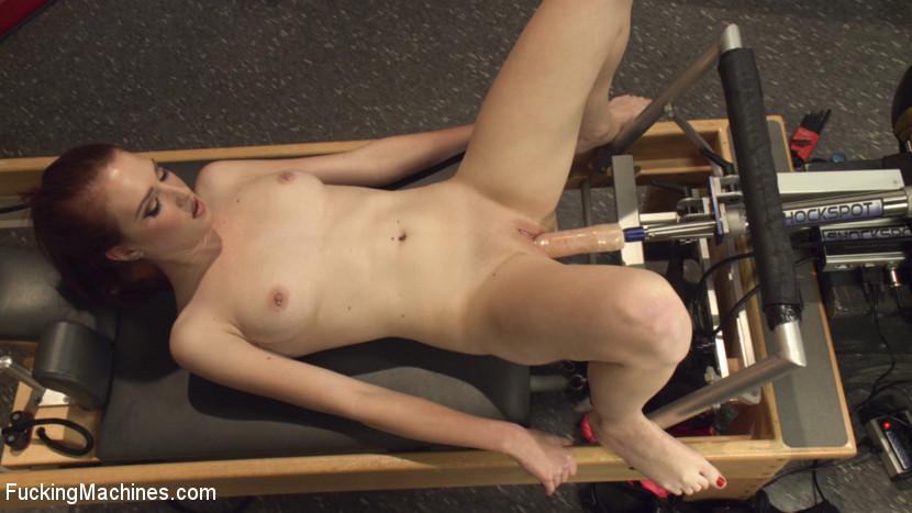 girl cums on machine