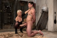 Divine-Dungeon-A-new-slave-is-trained