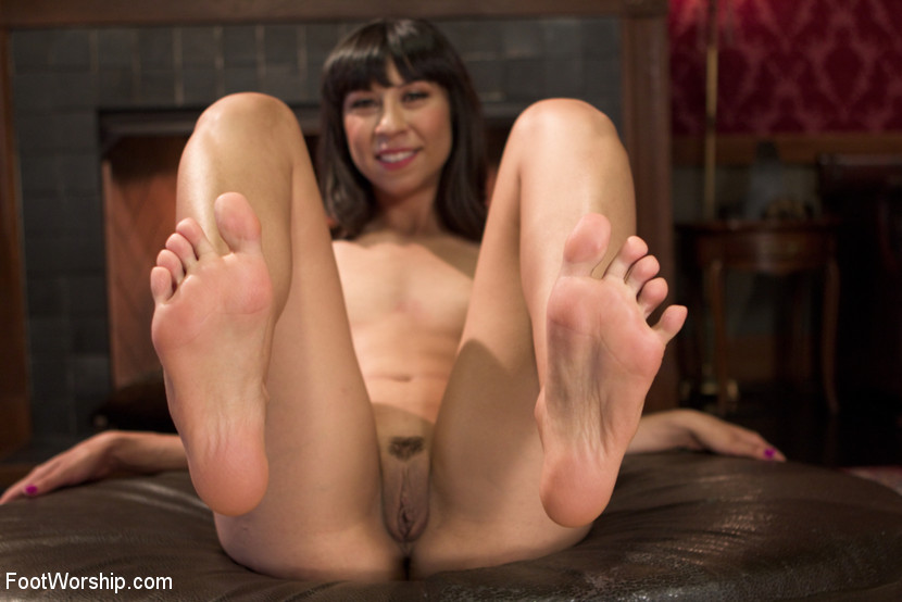 Fire and Ice Foot Fetish Video With Owen Gray and Vivi Marie
