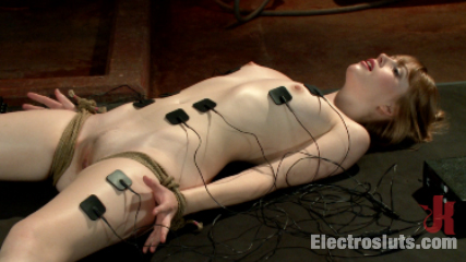 Brand new model has a filthy secret Fresh-Faced slut Learns How to ejaculate Electro-style. Aiden Starr,Dolly Leigh.