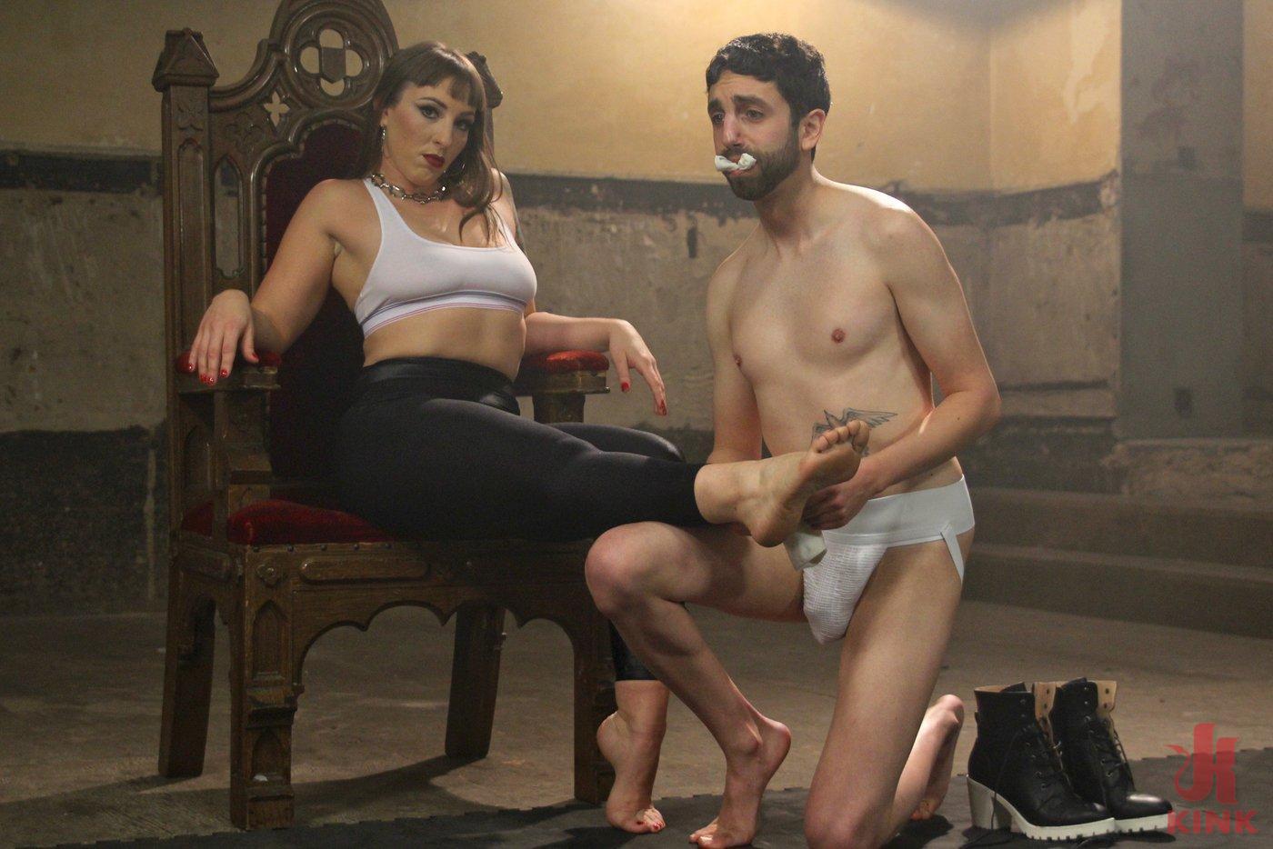 female muscle women demolishing men