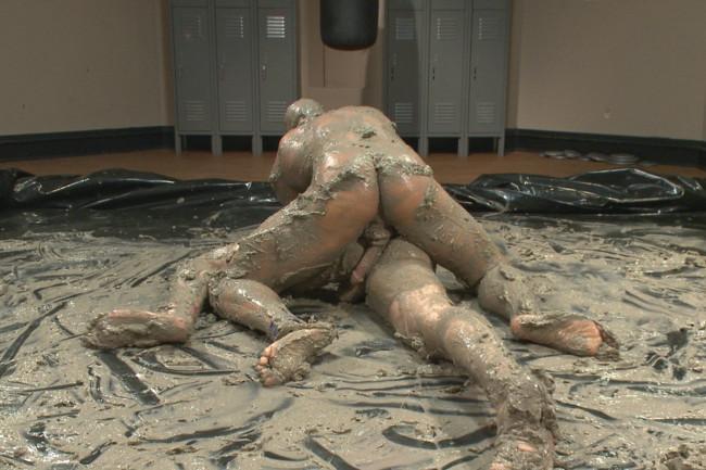 Naked Kombat - Jessie Colter - Jimmy Bullet - Top Cock: MUD WRESTLING! #1