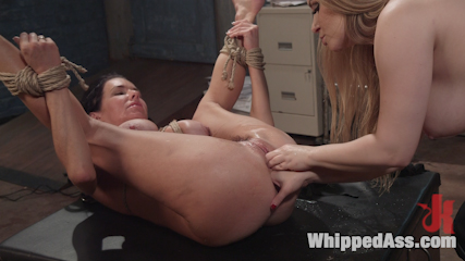 Milf squirts for hours veronica avluv double fisted analy have sexual intercourse. Watch insatiable MILF Veronica Avluv squirt EVERYWHERE while getting an intense double fisting and anal strapon fucked!
