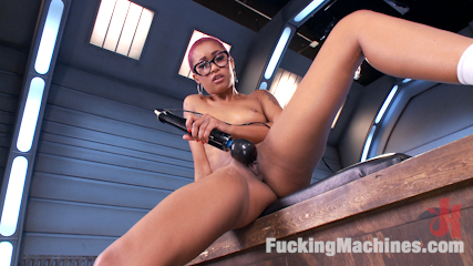 Skin Diamond Squirts in Bondage!!