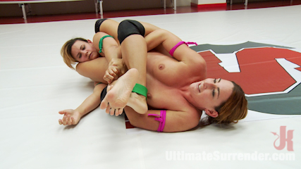 Rookie cup champion takes on season 12 tag team captain for a rematch. The girl who can score points better by face sitting and getting fingers into the cunt comes out the victor in the very last moment of the Match.