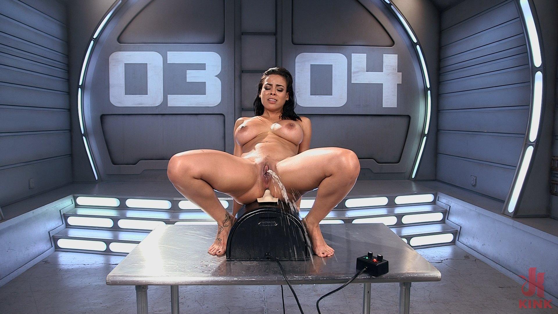 Babe car hot nude