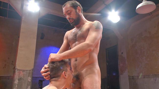 Naked Kombat - DJ - Alexander Gustavo - Alexander Gustavo takes on DJ #9