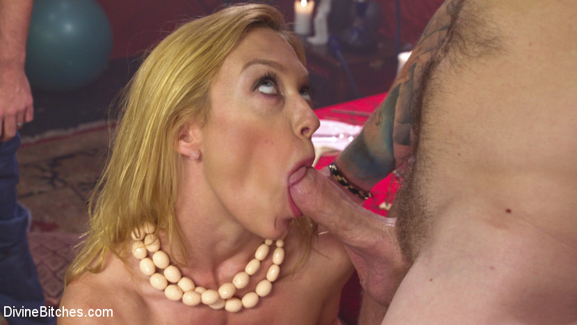 Cuckold therapy. Darling loves her husband, but he is not satisfying her sexual needs. She takes him to see a guru who proposes a new kind of therapy - cuckold therapy. Darling fucks her husband in the anus to teach him what a pretty fuck feels like, then she rides this guru's big cock, making her husband watch and allowing him to taste her cumshot off another man's cock. She cumshots and cumshots until she is finally satisfied, then holds her husband's face to receive her guru's load. This kind of therapy leaves Darling smiling!