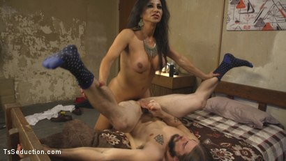 Jaquline Braxton Punishes Nosey Lobby Boy with her Thick Cock!