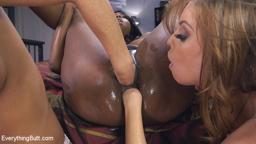 [EverythingButt] Britney Amber Learns how lesbians do Anal
