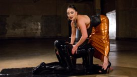 Latex-Lea-Tortures-Rubber-Fuck-Boy