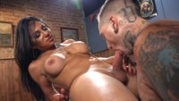 Jaqueline-Braxton-fucks-and-then-gets-fucking-shooting-a-huge-fat-load
