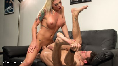 Aubrey Kate fucks Reed Jameson ass and gives her very first creampie EVER!!!