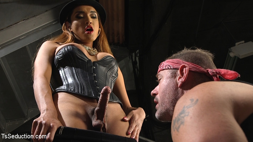 Ts boss bitch. You can't move up the rank until you've had a session with TS boss slut Jessica Foxx and her violent hungry cock! A. Arclyte learns his lesson and loves every single inch of it!