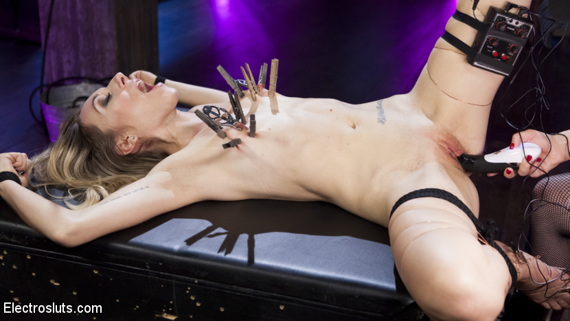Electroslut emma haize returns. Goddess Aiden Starr welcomes back insatiable Electroslut Emma Haize with bondage, the violet wand touch plate, electrified pussy and arse fucking, a wired pussy plug, facesitting, and tons of orgasms!