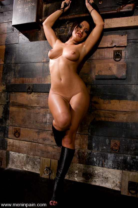 Голые женщины бдсм фото