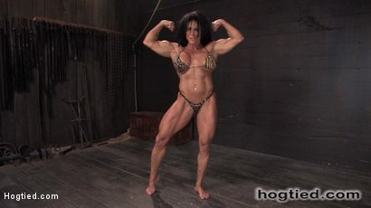Lynn-McCrossin-a-k-a-PecPanther-Former-nationally-ranked-bodybuilder