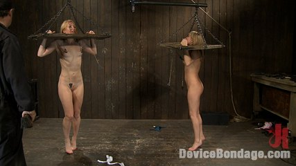 Jessie cox ami emerson and isis love brpart 1 of 4 of the september live feed. Two hot girls dominated in live BDSM event.  Isis love as co-top!