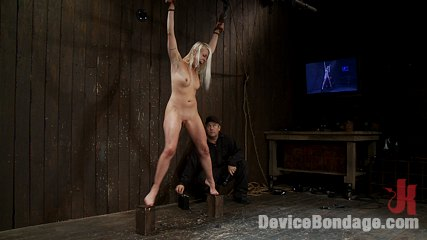 Lorelei lee brhot kitty on a copper roof. Hot Blond MILF Bound spread and jolted with mega volts of electricity!
