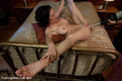 Veronica-Avluv-Part-3-of-5-Our-Squirting-MILF-rains-on-the-Sybian