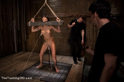 Photo number 3 from Tha Training of Gia DiMarco, Day Four shot for The Training Of O on Kink.com. Featuring Gia DiMarco and Maestro in hardcore BDSM & Fetish porn.