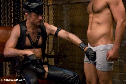 Photo number 1 from Master Avery shot for Bound Gods on Kink.com. Featuring Master Avery and Leo Forte in hardcore BDSM & Fetish porn.