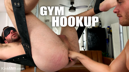 Gym Hookup: Newcomer Luke Hudson Fists Alex Hawk