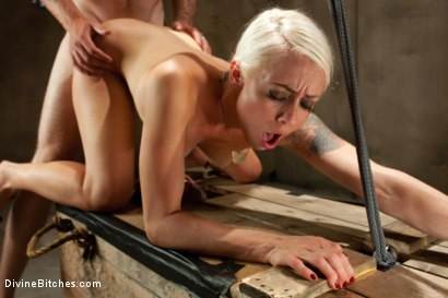 Photo number 10 from A Cuckold's Reality shot for Divine Bitches on Kink.com. Featuring Vince Ferelli, Lorelei Lee and Christian Wilde in hardcore BDSM & Fetish porn.