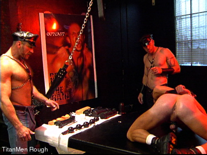 Photo number 8 from FIST DOGS (2 of 4) shot for TitanMen Rough on Kink.com. Featuring Mike Roberts, Keith Webb, Harold Creg, Core Andrews and Marc Masterson in hardcore BDSM & Fetish porn.