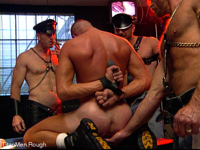 Photo number 18 from FIST DOGS (2 of 4) shot for TitanMen Rough on Kink.com. Featuring Mike Roberts, Keith Webb, Harold Creg, Core Andrews and Marc Masterson in hardcore BDSM & Fetish porn.