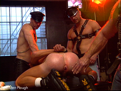 Photo number 19 from FIST DOGS (2 of 4) shot for TitanMen Rough on Kink.com. Featuring Mike Roberts, Keith Webb, Harold Creg, Core Andrews and Marc Masterson in hardcore BDSM & Fetish porn.
