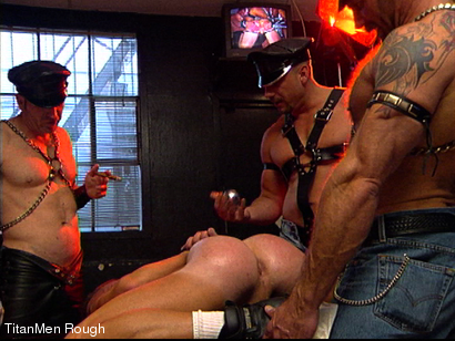 Photo number 20 from FIST DOGS (2 of 4) shot for TitanMen Rough on Kink.com. Featuring Mike Roberts, Keith Webb, Harold Creg, Core Andrews and Marc Masterson in hardcore BDSM & Fetish porn.