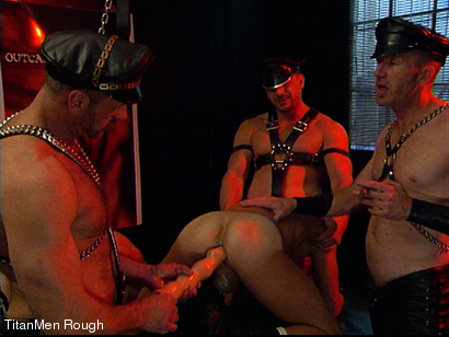 Photo number 30 from FIST DOGS (2 of 4) shot for TitanMen Rough on Kink.com. Featuring Mike Roberts, Keith Webb, Harold Creg, Core Andrews and Marc Masterson in hardcore BDSM & Fetish porn.