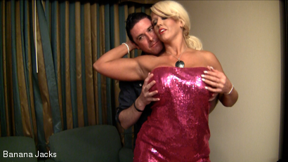 FUCK ON THE CUCK - THE PERFECT CUCKOLDING WIFE ALURA