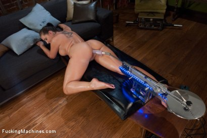 Photo number 4 from Divine Ass and Double Penetration shot for Fucking Machines on Kink.com. Featuring Kelly Divine in hardcore BDSM & Fetish porn.