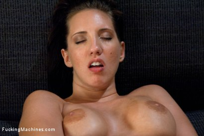 Photo number 15 from Divine Ass and Double Penetration shot for Fucking Machines on Kink.com. Featuring Kelly Divine in hardcore BDSM & Fetish porn.